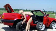Car Stuck Girls (4)