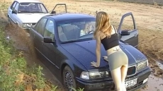 Car Stuck Girls (7)