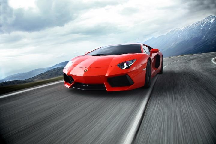 Lamborghini Aventador 35